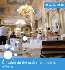 Un salon de thé estival et impérial à Vichy